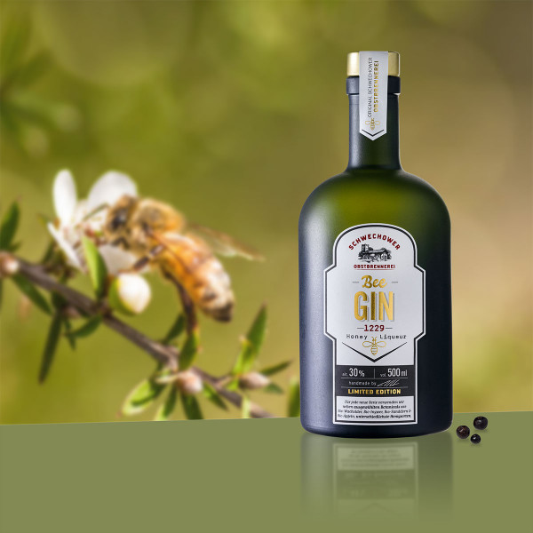 Schwechower-Bee-Gin-1229-Honey-Liqueur-500ml-4